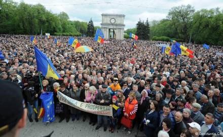 Protesta di massa contro la corruzione a Chisinau