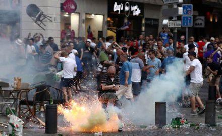 scontri hooligans francia