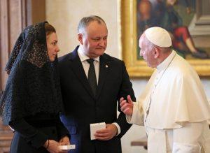 Dodon e sua moglie a colloquio con Papa Francesco